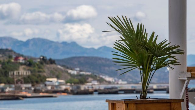 В пятницу в Крым тропические массы принесут сухую и жаркую погоду