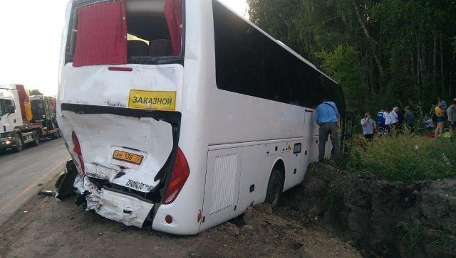 Автобус Тюмень – Крым столкнулся с фурой: есть пострадавшие