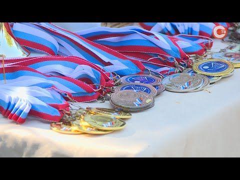 Как проходит традиционный турнир по волейболу, посвященный Дню ВМФ? (СЮЖЕТ)