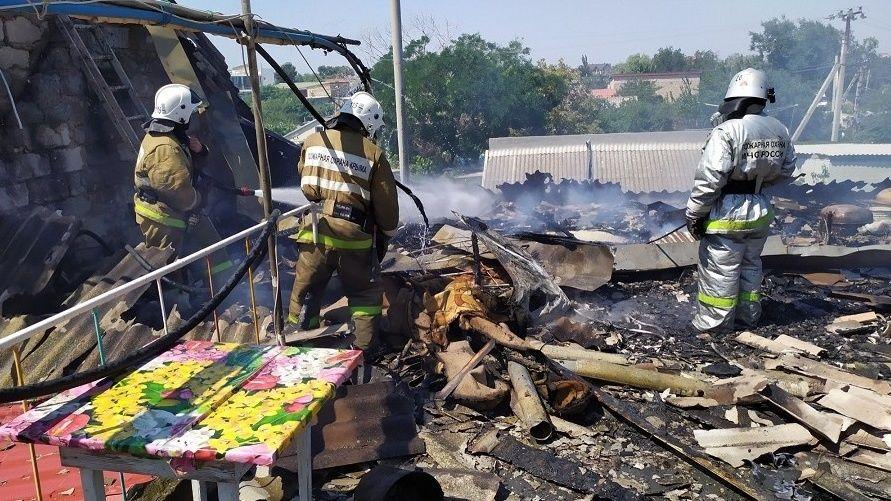 Пожар в Феодосии: горел частный дом — была угроза взрыва