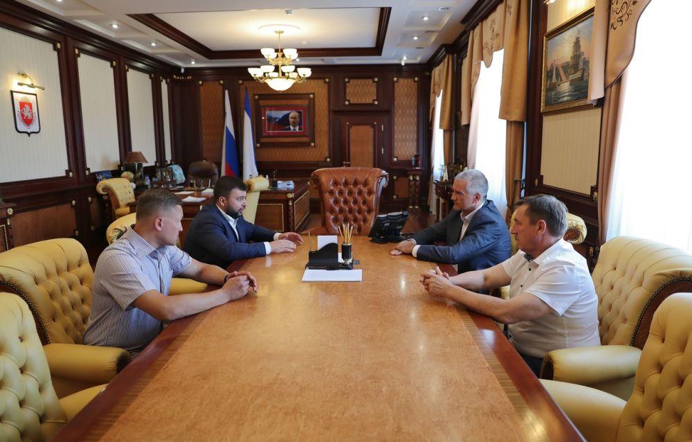Сергей Аксёнов встретился с Главой ДНР Денисом Пушилиным