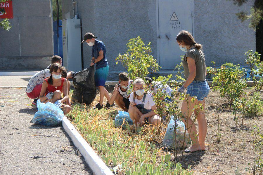 В Севастополе трудоустраивают школьников. Где, как и сколько платят?