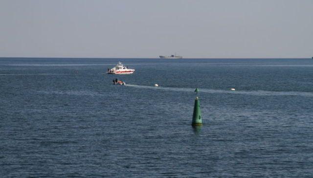 Из бухты Севастополя вывезли и взорвали снаряды времен войны: видео