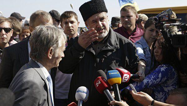 """Меджлис* просит правительство Украины """"открыть Крым"""""""