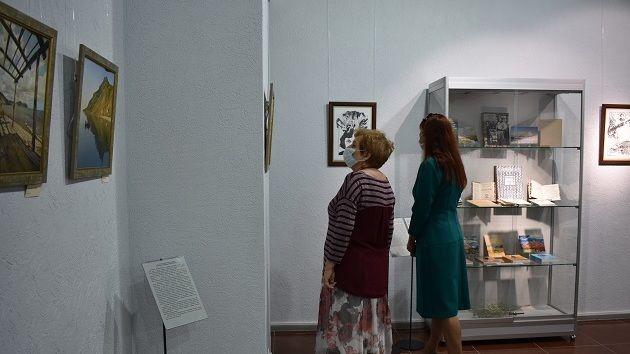 На выставке в Елабуге представлены 145 экспонатов из собрания Музея-заповедника М.А. Волошина