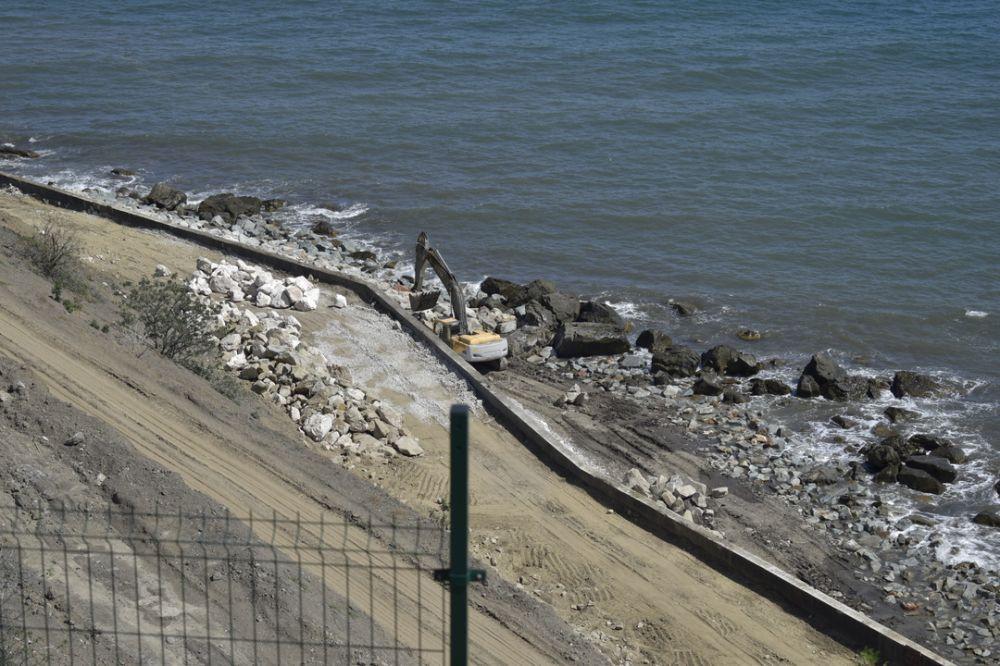 Берегоукрепительные работы у Малореченского храма-маяка почти завершены