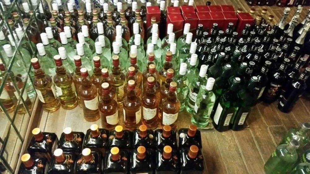 В Крыму уничтожили около 40 тысяч тонн поддельного спиртного
