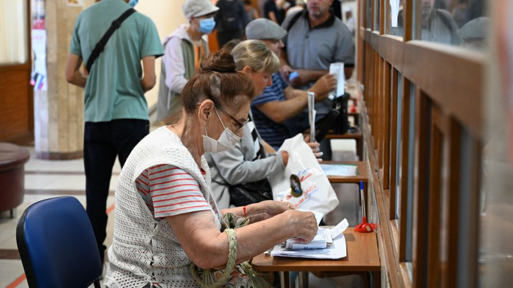 Члены рабочих групп мониторинга качества предоставления государственных и муниципальных услуг за прошедший месяц посетили все города и районы Крыма