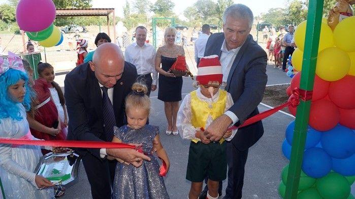 В селе Краснофлотское Советского района состоялось торжественное открытие модульного детского сада и производственных мощностей ООО «ТавридаСнаб»
