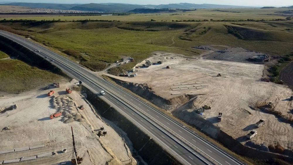 Строительство многофункциональных зон и заправочных станций прилегающих к трассе Таврида закончится в 2021 году