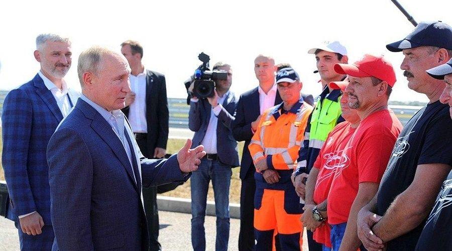Президент напомнил о необходимости обустроить съезды к морю с трассы «Таврида»