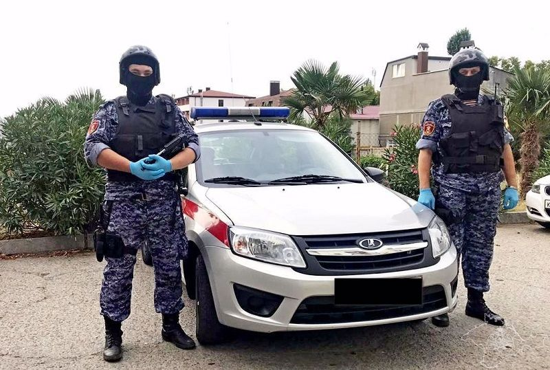 В Алуште росгвардейцы защитили местную жительницу, которой муж угрожал убийством