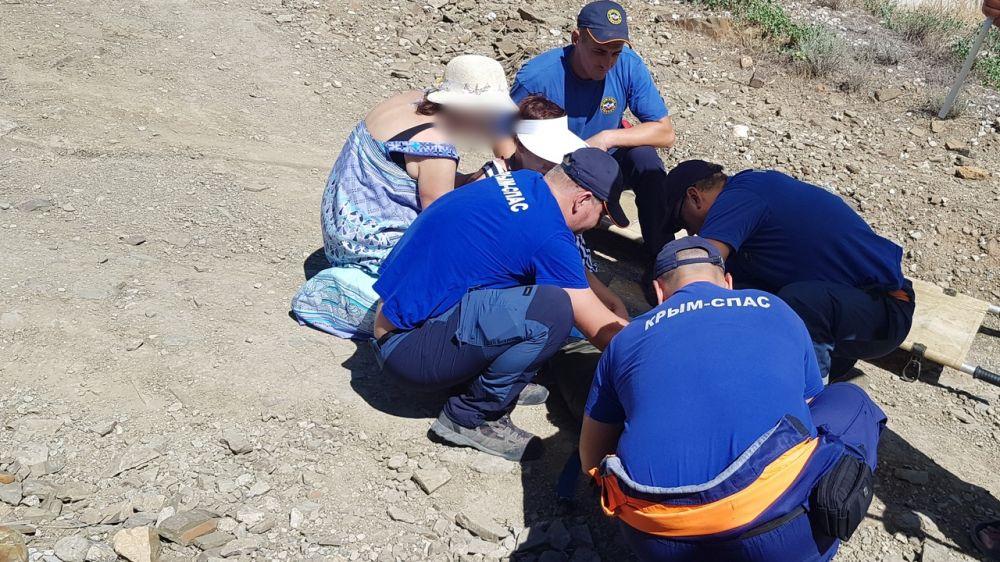 Туристка из Астрахани сломала ногу, гуляя на горе Караул-Оба