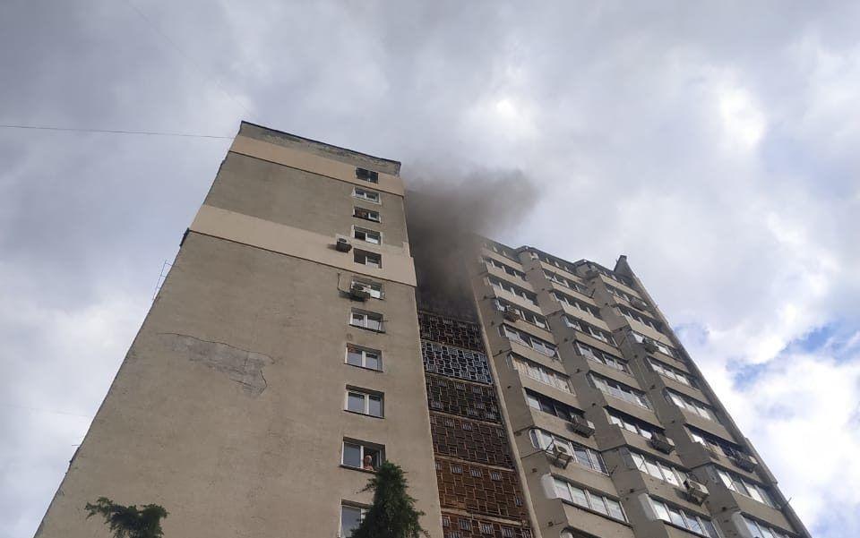 Пожар в Ялте — спасены 6 человек и эвакуированы 30
