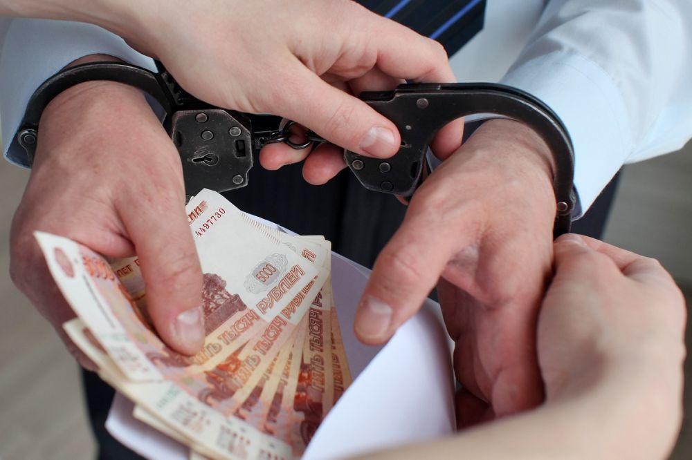 Житель Евпатории предстанет перед судом по обвинению в мошенничестве в особо крупном размере