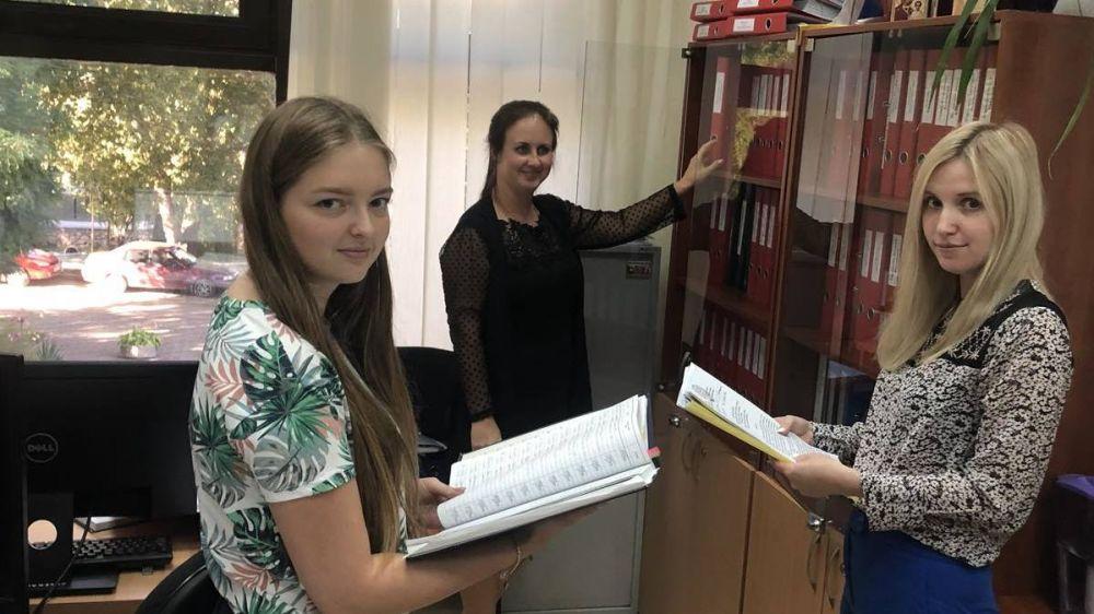 Олег Шаповалов отметил профессиональную и слаженную работу кадровой службы Минюста Крыма
