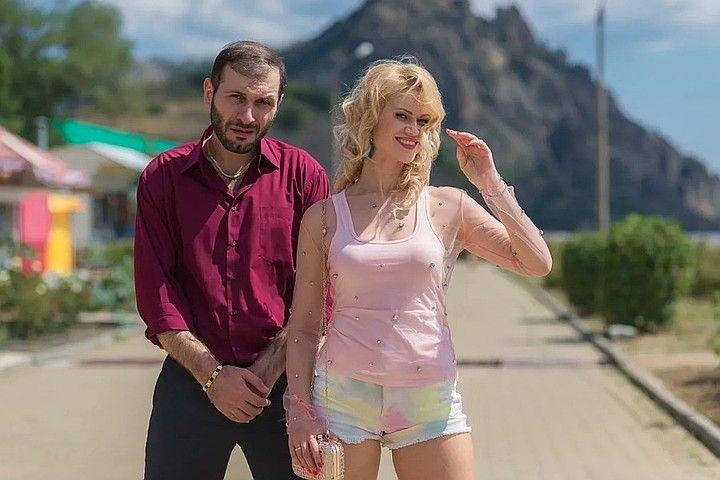По телевизору покажут снятый в Крыму пророческий сериал про неизвестный вирус