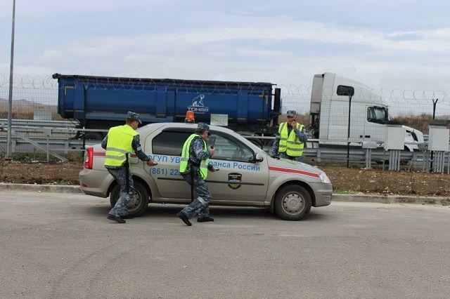 3 путепровода и автодорогу у Керчи взяли под охрану