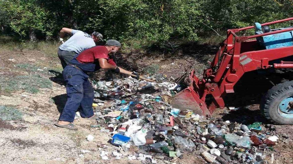 Сотрудниками подведомственных Минприроды Крыма учреждений проведены мероприятия по уборке территории лесного фонда