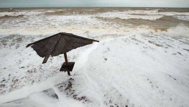 На 8-10 градусов ниже: на Крым идет холодный фронтальный раздел – МЧС
