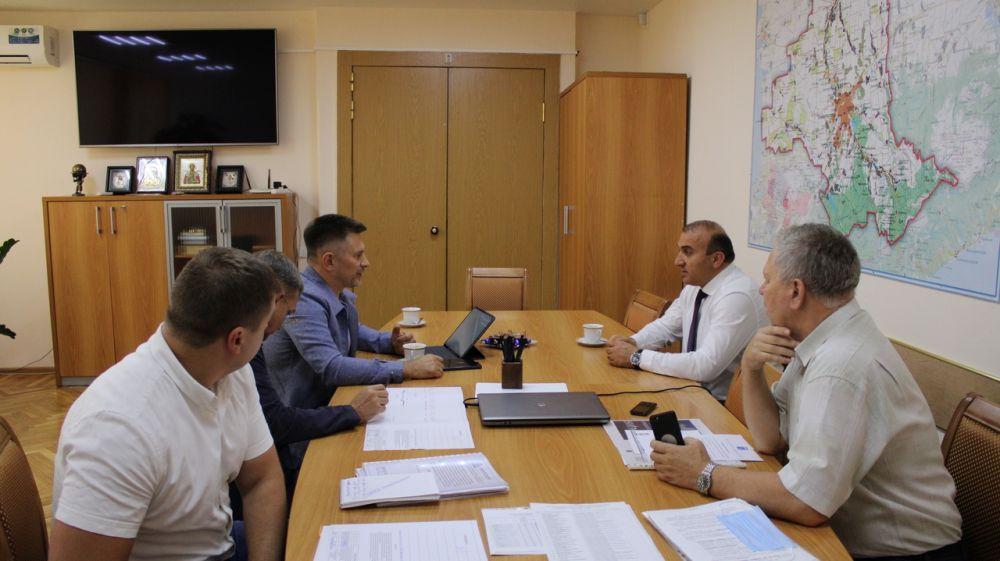 Сергей Карпов дал поручение актуализировать программу ремонта улиц в Симферопольском районе на будущий год