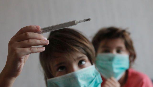 Время защиты: чем опасны осень и зима для маленьких детей