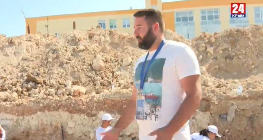 В Севастополе волонтёры исследуют древнеримскую дорогу
