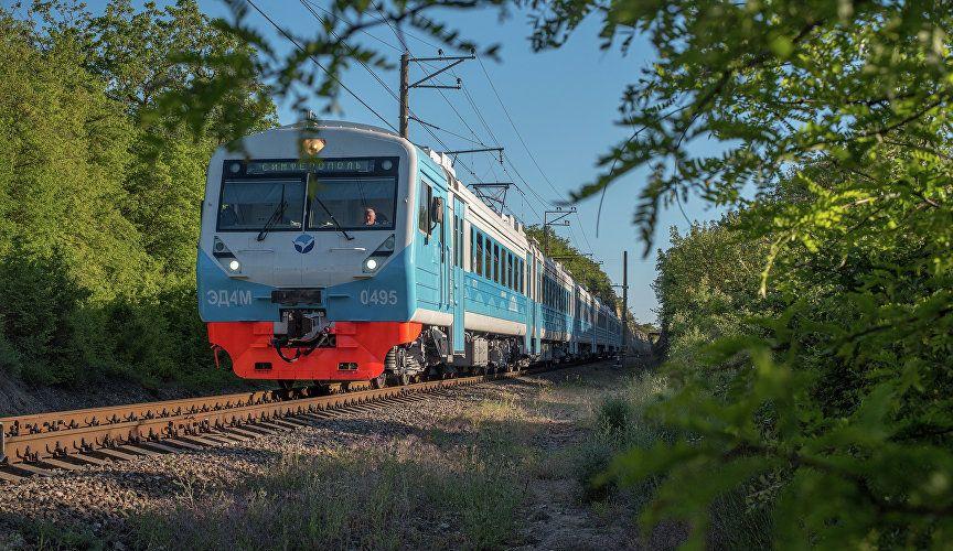 Пригородные поезда в Крыму перешли на зимнее расписание