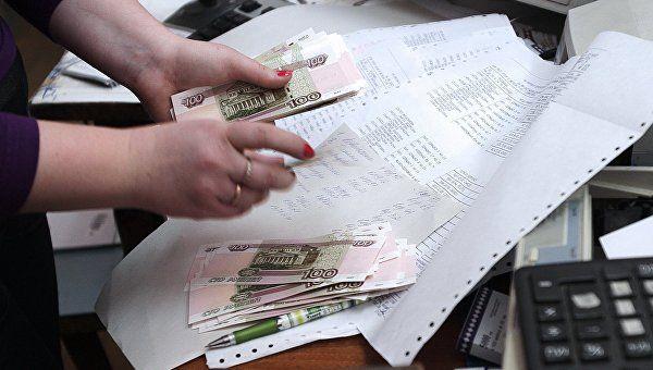В России семьи начнут получать допвыплаты на третьего ребенка