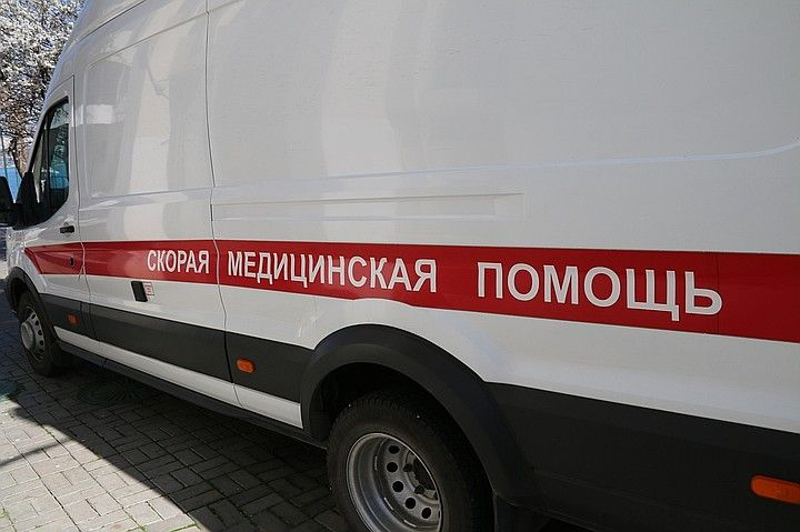 В Керчи пьяный мужчина напал с палкой на сотрудников ДПС