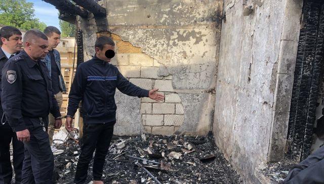 В Симферополе мужчина зарезал сторожа оптовой базы и сжег его
