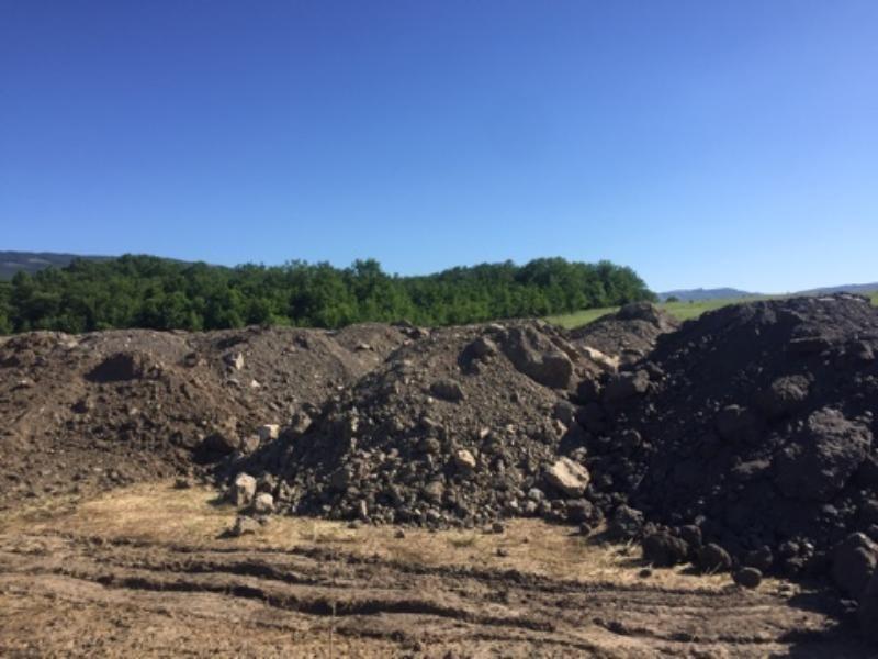 Незаконная свалка строительных отходов выявлена на территории заказника «Байдарский»