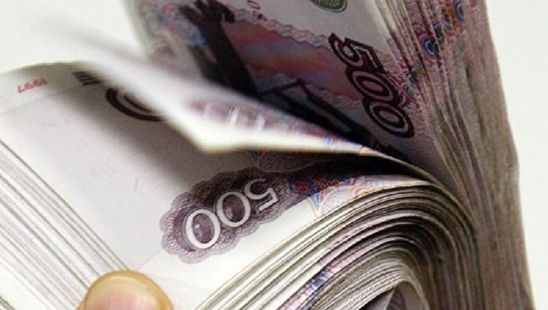 Крымчанин открыл незаконный пункт обмена валют в своей иномарке