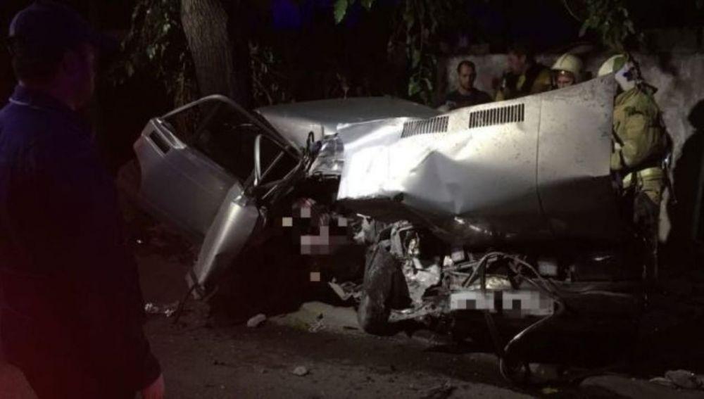 В Симферополе мужчина погиб в ДТП при столкновении авто с электроопорой
