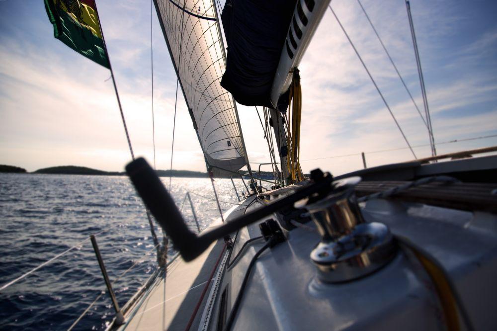 В Крыму спасли четверых туристов на лодке