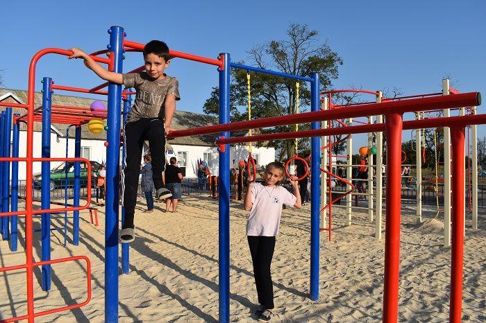 В селе Колоски Джанкойского района открыли новую спортплощадку