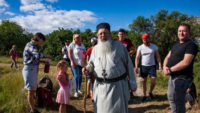 Поближе к Небу: как живет пещерный монастырь