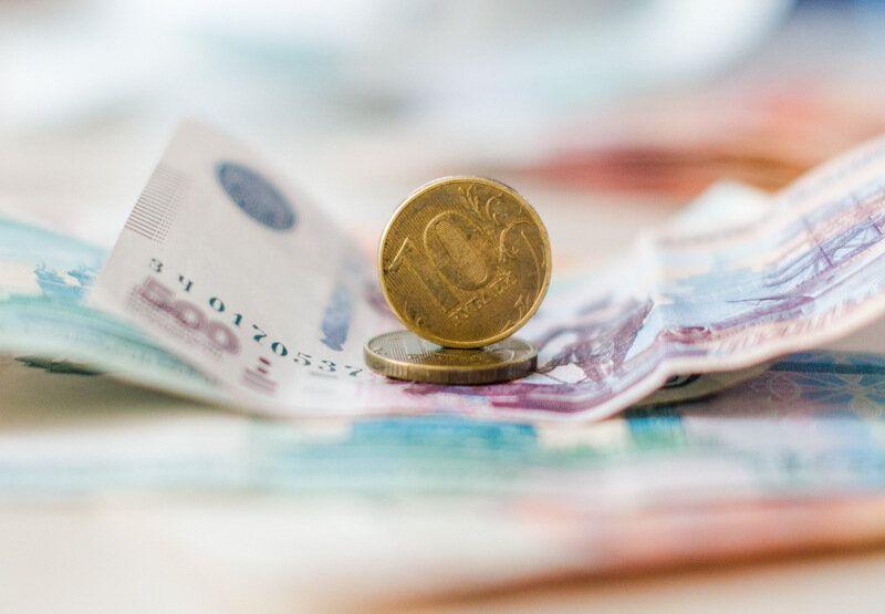 Работникам госучреждений Севастополя повысят зарплаты