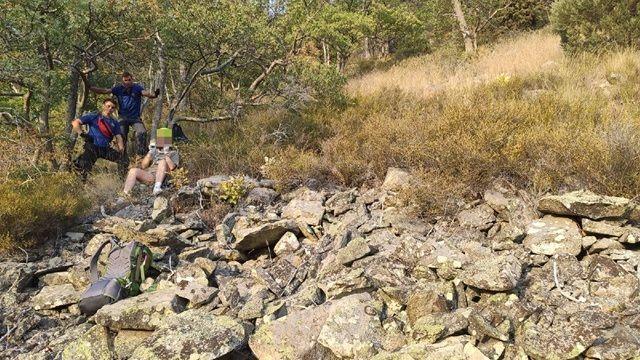 Сотрудники ГКУ РК «КРЫМ-СПАС» оказали помощь туристке в районе горы Аю – Даг