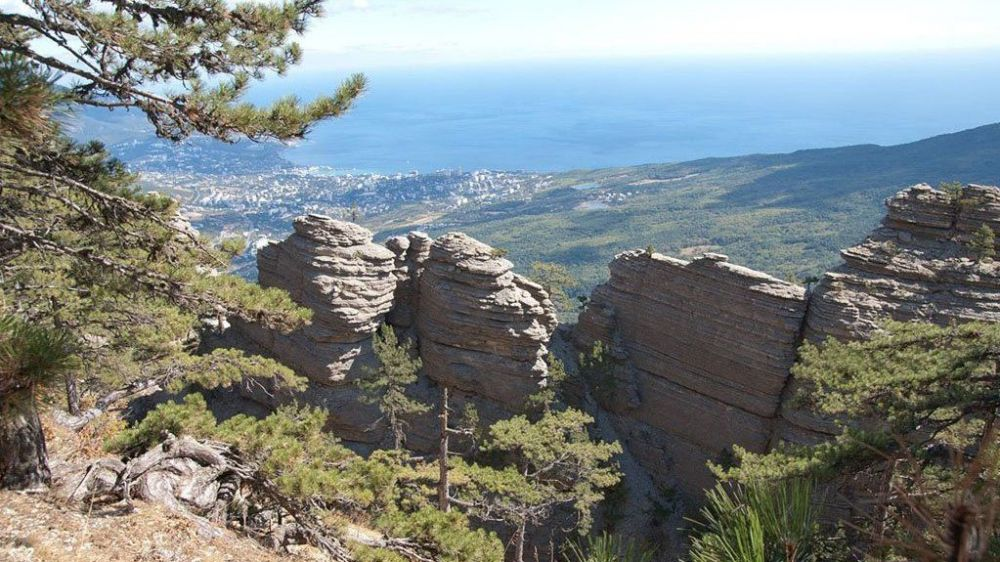 Туристы заблудились в крымских горах