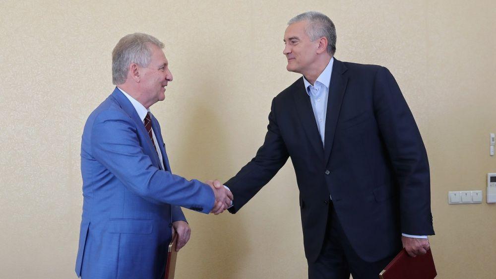 Подписанное с «Роспатентом» соглашение повысит эффективность реализации проектов по развитию науки и инноваций - Сергей Аксёнов