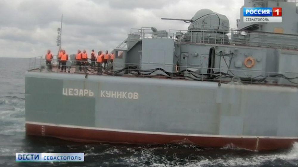 Морские пехотинцы ЧФ готовятся к высадке на Таманском полуострове