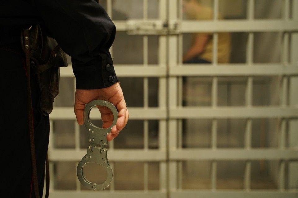 В Крыму многодетный отец пытался изнасиловать дочь