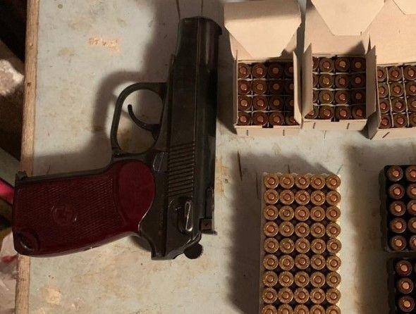 В Ялте у пожилого мужчины нашли оружие и боеприпасы