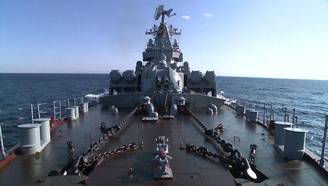 Эскадра кораблей ЧФ уничтожила воздушные цели в Черном море – видео