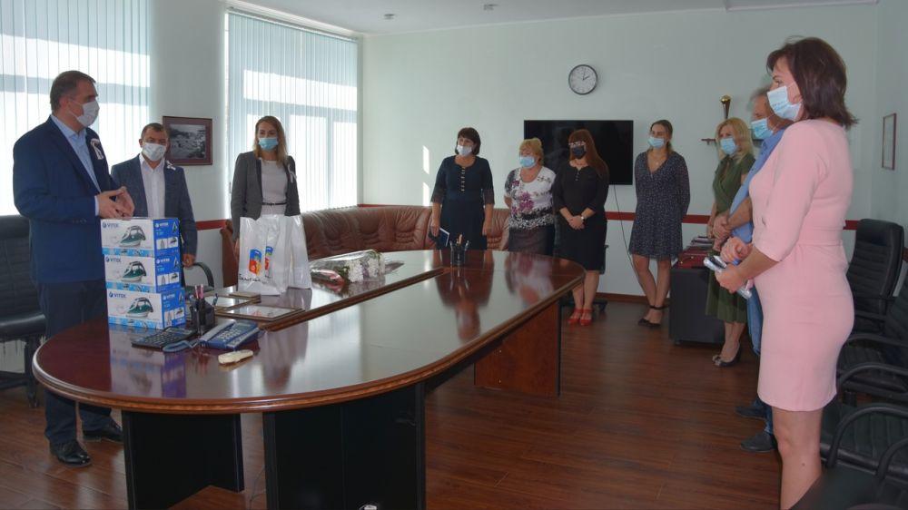 Сотрудников предприятий и учреждений поздравляют с Днем города Бахчисарая