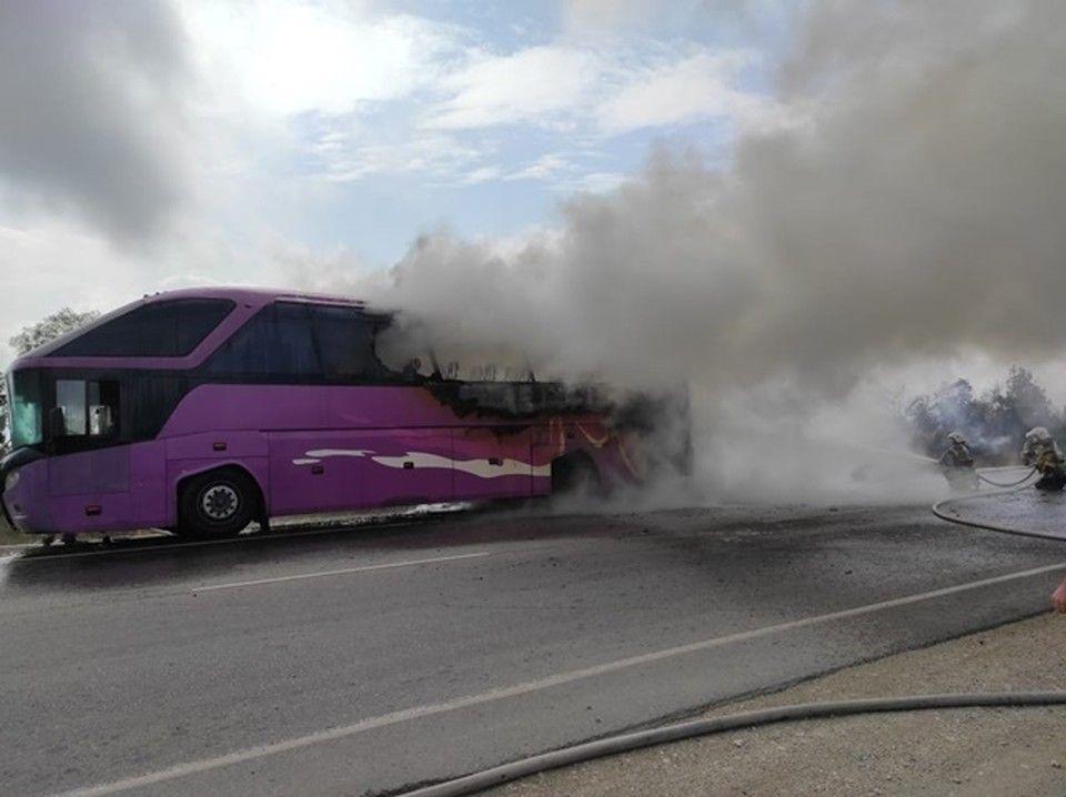 Под Керчью загорелся рейсовый автобус с пассажирами