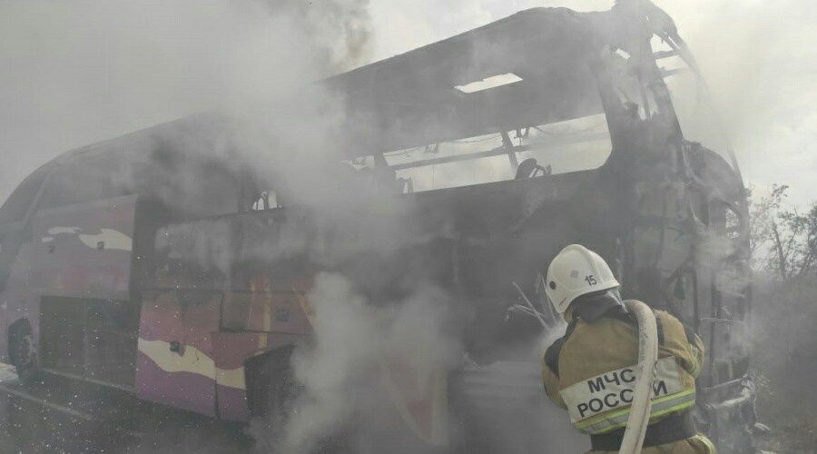 Пассажирский автобус сгорел в Крыму