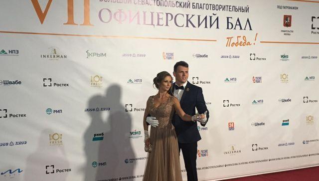 Дамы приглашают кавалеров: в Севастополе проходит офицерский бал