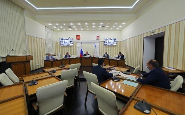 Ефим Фикс принял участие в обсуждении вопросов ЖКХ